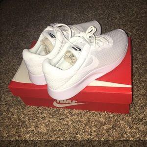 Nike Tanjun All-White 8.5